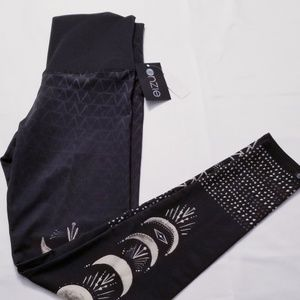 High Rise graphic yoga pants